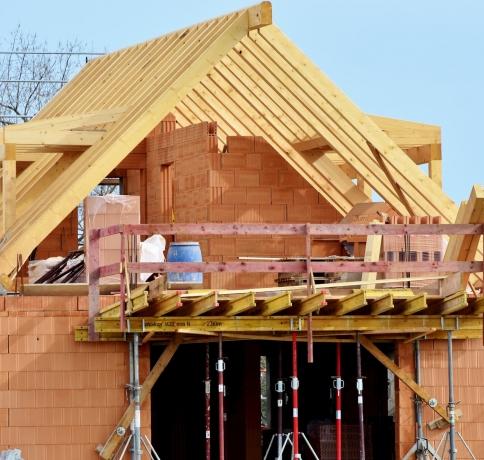 housebuilding-3370969